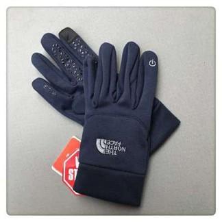 TNF Touchscreen-Ready Gloves
